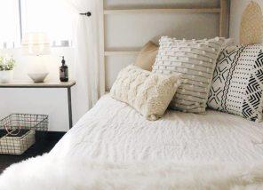 via darling magazine // http://darlingmagazine.org/style-dorm-doesnt-feel-like-dorm/